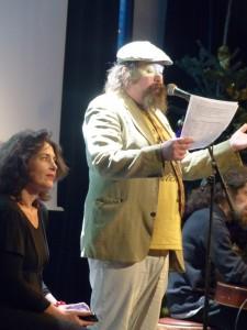 Le comédien et ami Benoit Hamelin a présenté et animé la fête avec la bonne humeur qui ne le quitte pas.