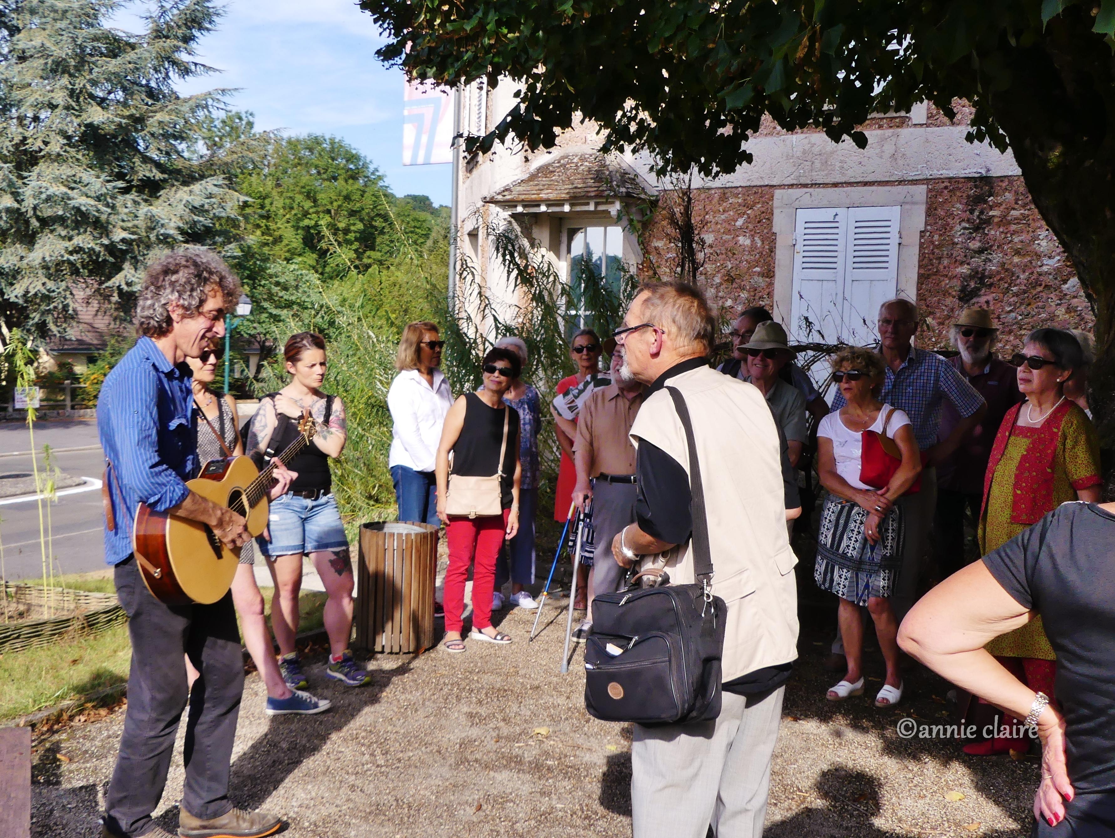 Jean Dubois et Pierre Poma pour la conférence en chansons de Saint-Cyr-sous-Morin ©annie claire