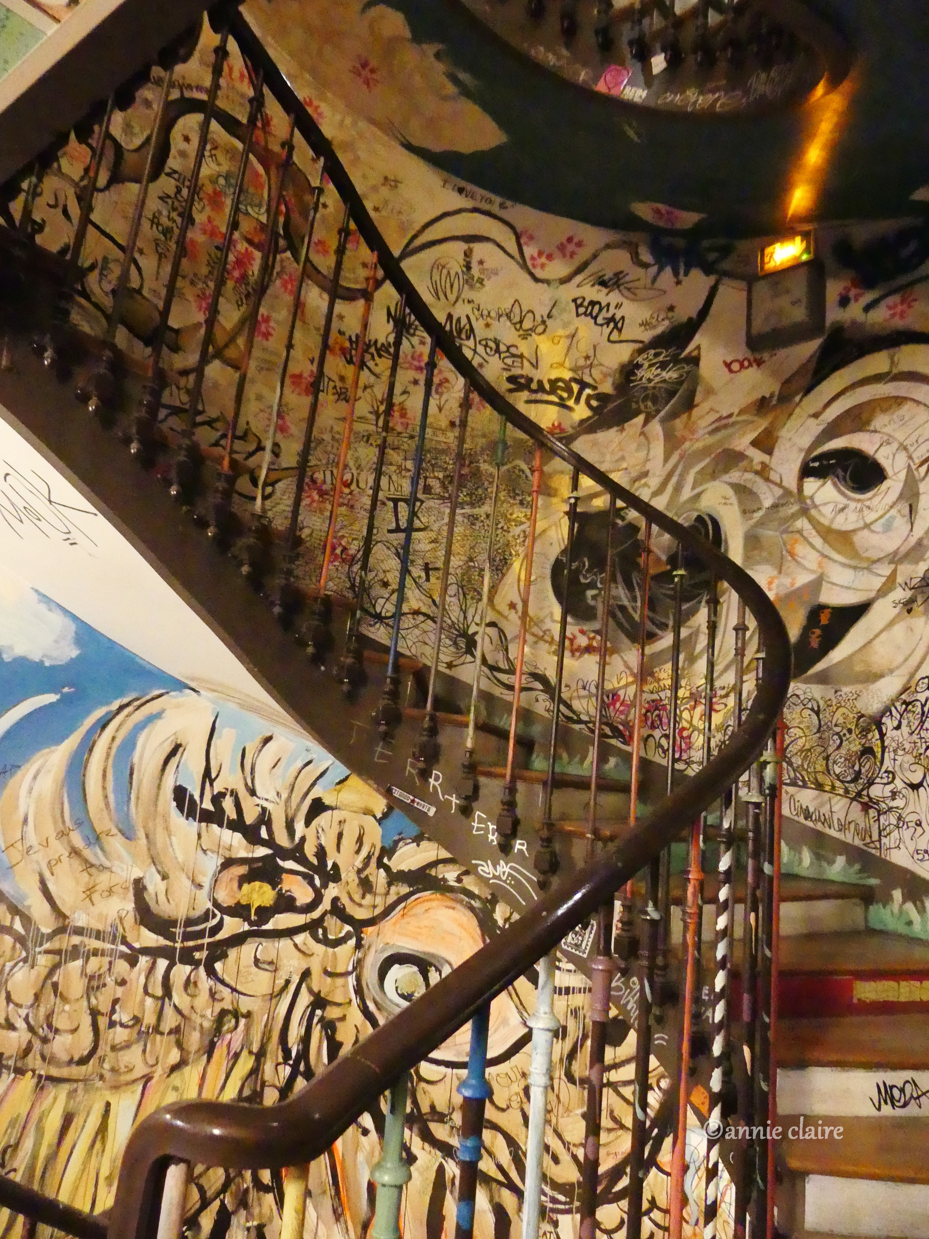 L'escalier du 59 rue de Rivoli ©annie claire 15.10.2016