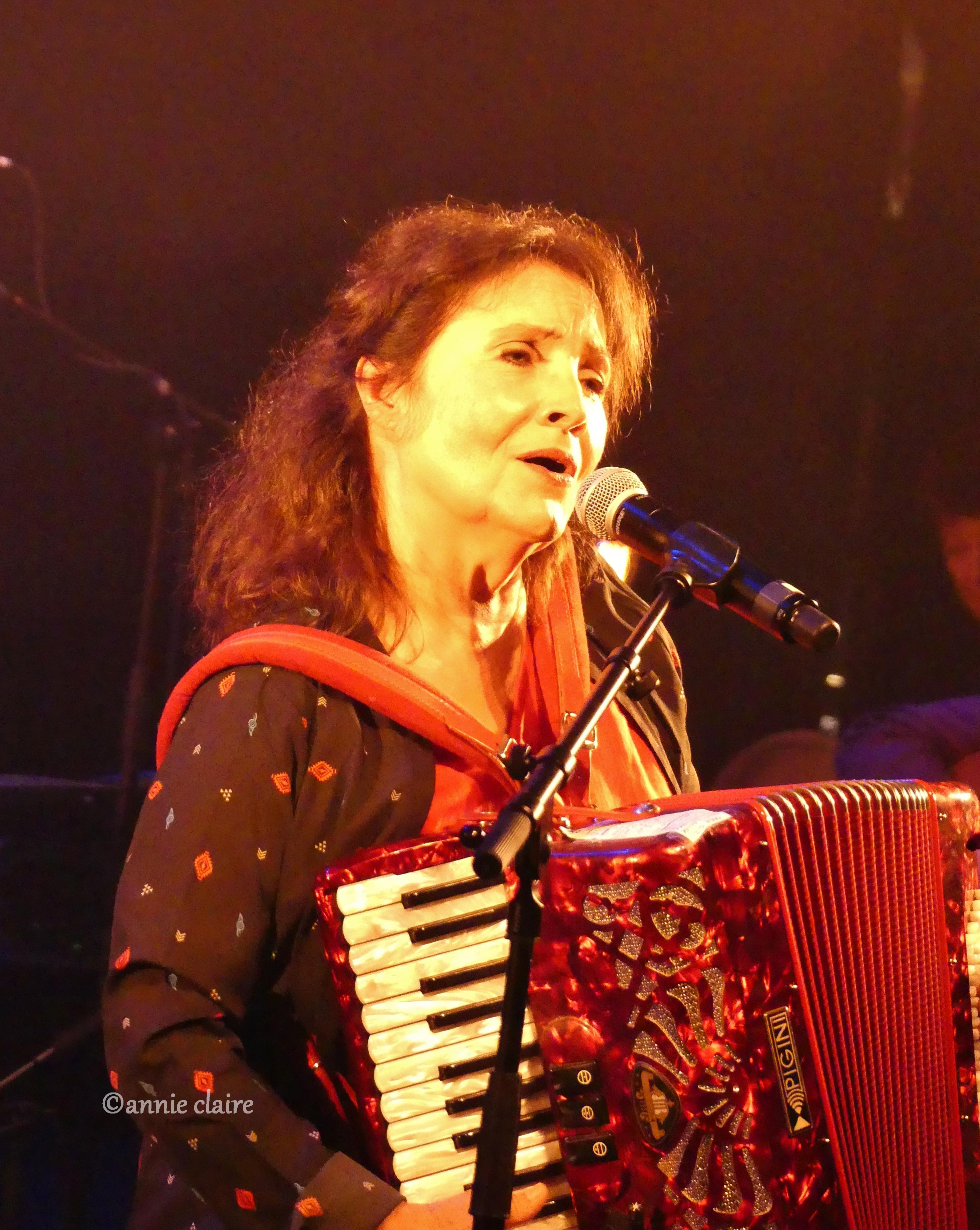 Michèle Bernard au Café de la Danse ©annie claire 16.10.2016